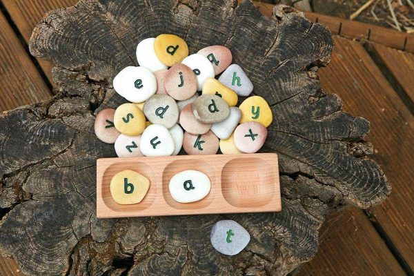 3-Pebble Word-building Tray