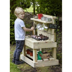 Outdoor Mini Mud Kitchen